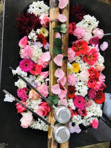 花手水(はなちょうず)|大分市にある霊山寺の手水舎がインスタ映えする理由
